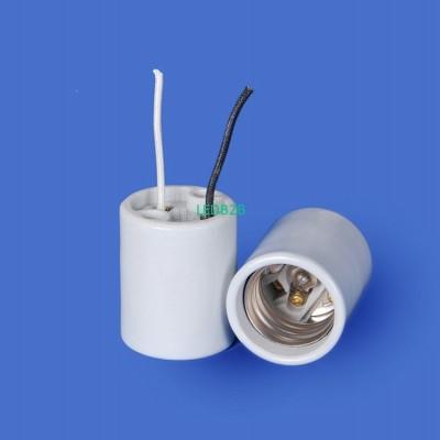 E39 F547-5N-4W Porcelain lamphold