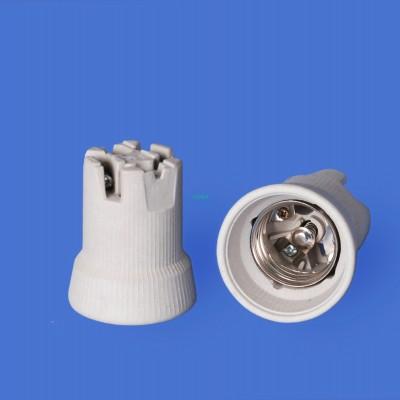 E40 110N-4 Porcelain lampholder—