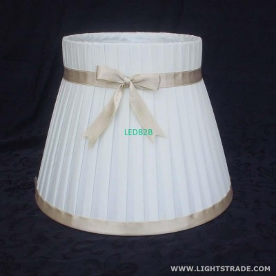 Side pleated shade